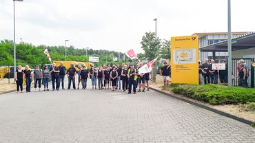 Aktion vor dem Briefzentrum in Schwerin