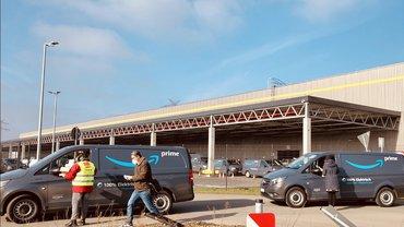 Rund 200 Paketfahrer*innen bei Amazon in Kaltenkirchen wurden über ihre Arbeitsrechte informiert.