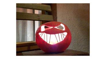 Halloween-Kürbis mit Kerze
