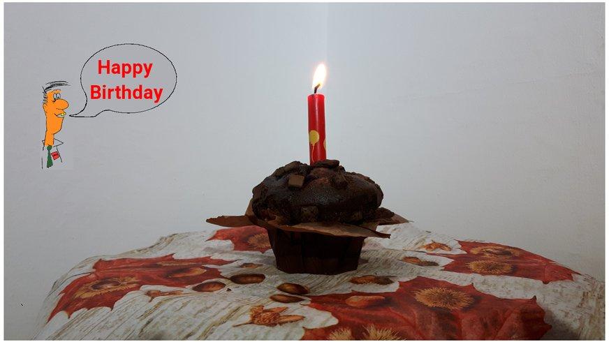 Torte mit Kerze zum 1. Geburtstag
